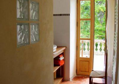 chambre Terrasse  - salle d' eau porte fenêtre